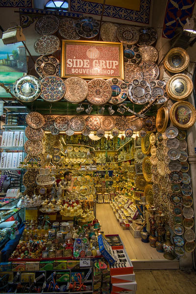 Inside the Grand Bazaar, Kapalı Çarşı, Istanbul, Turkey. Grand Bazaar is a historic sprawling network of indoor souks & market streets peddling leather, jewelry & gifts.