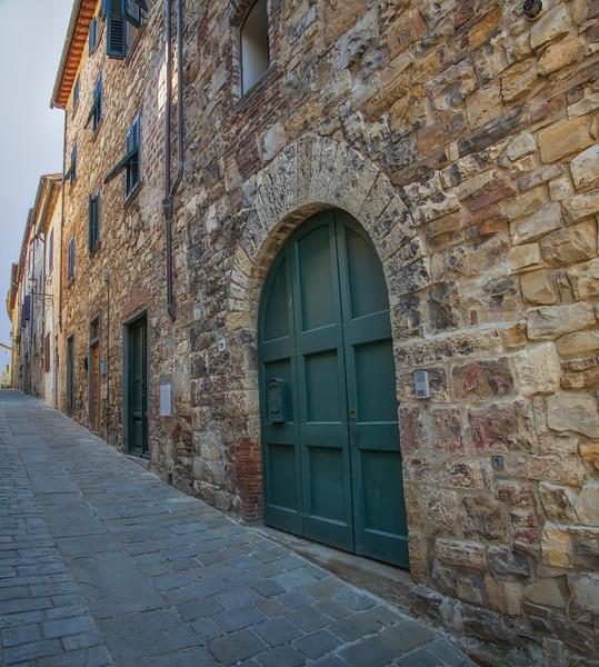 Streets of San Donato, Poggio