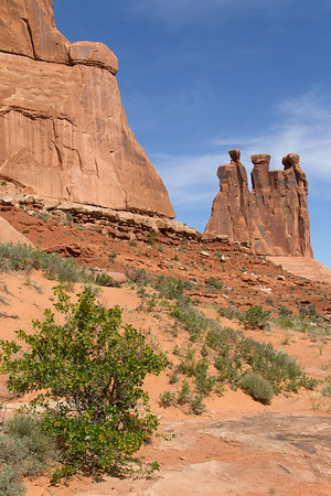 The Three Gossips rock formation.