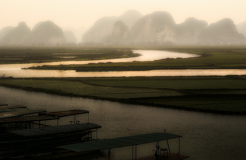 Rise paddies around Ninh Binh. <br /> <br /> Northern Vietnam, 2008.