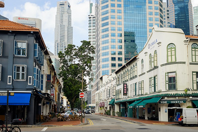 Old and new buildings coexisting in Singapore