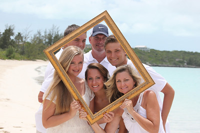 """Hi, you took pictures of us last week when we were in Exuma. I wasn't able to view them until I got state side and <b>I wanted to let you know we were so pleased with your work.</b> The pictures turned out great. I have already gotten some developed and framed. Thank you again for your quick, courteous service.""  The Stallings Family Florida, USA"