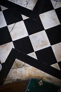 109 Old english floor