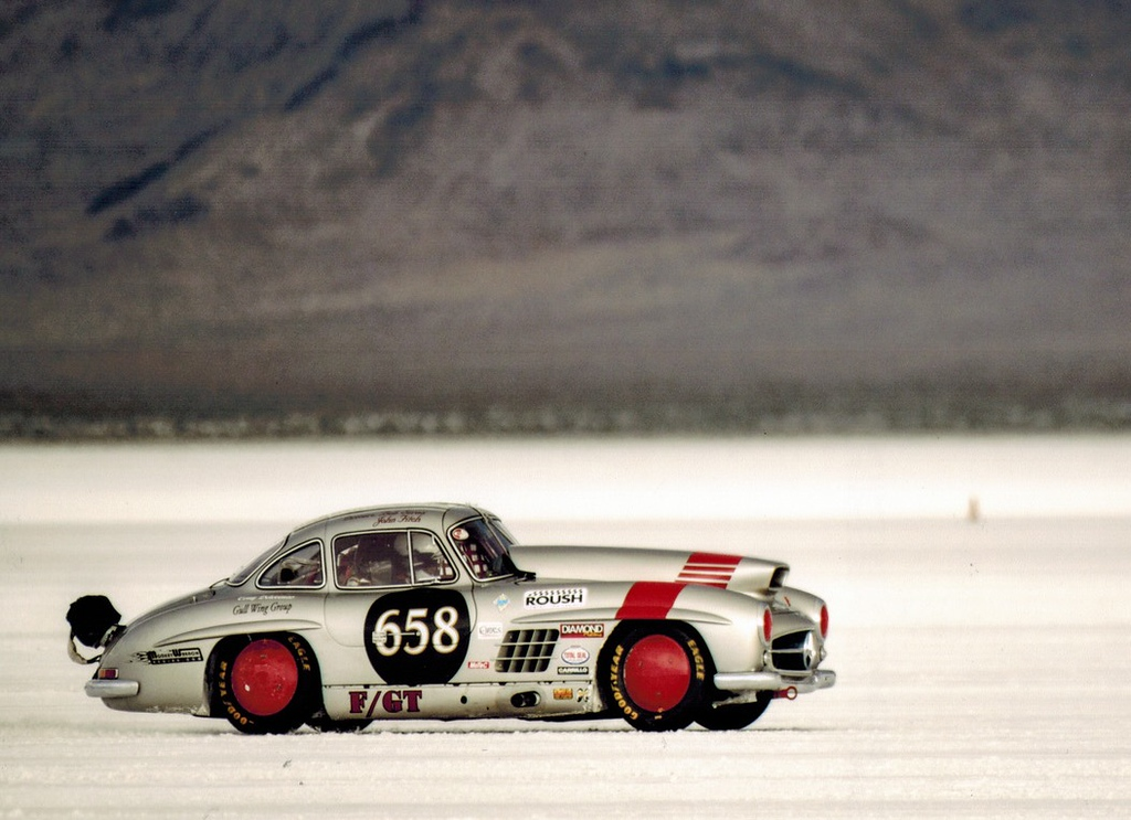 . Bob Sirna\'s 1955 Mercedes Benz 300 SL traveling almost 200 mph on the Bonneville Salt Flats.