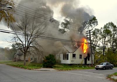 Detroit MI, Pole fire turns into Box Alarm 10-31-11.