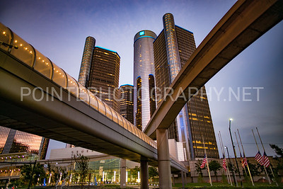 Detroit Rencen w People Mover