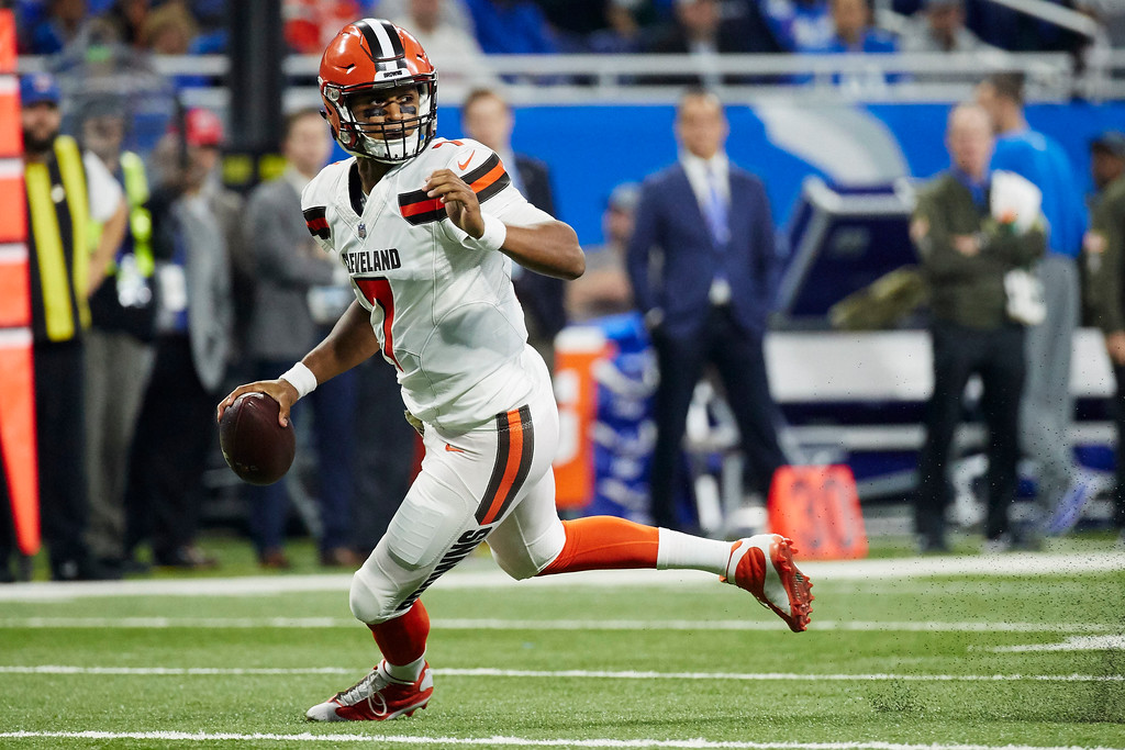. Cleveland Browns quarterback DeShone Kizer (7) scramble against the Detroit Lions in the first half of an NFL football game, Sunday, Nov. 12, 2017, in Detroit. (AP Photo/Rick Osentoski)