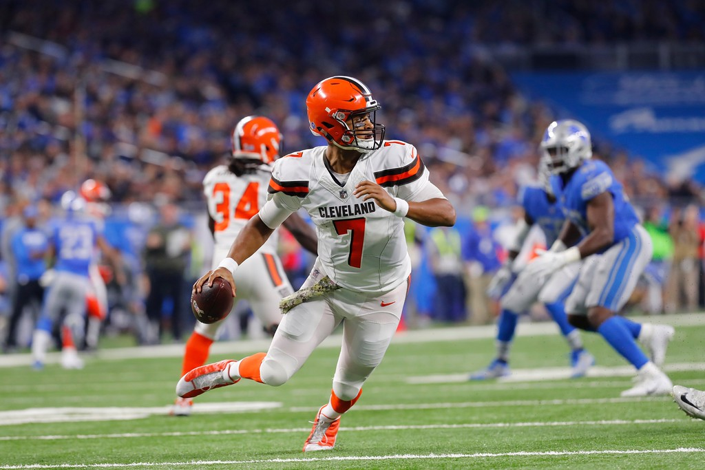 . Cleveland Browns quarterback DeShone Kizer (7) scrambles during the first half of an NFL football game against the Detroit Lions, Sunday, Nov. 12, 2017, in Detroit. (AP Photo/Paul Sancya)