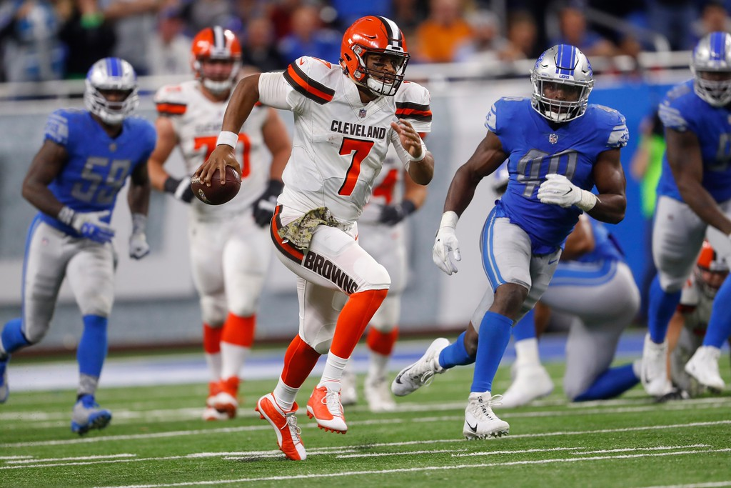 . Cleveland Browns quarterback DeShone Kizer (7) scrambles during the second half of an NFL football game against the Detroit Lions, Sunday, Nov. 12, 2017, in Detroit. (AP Photo/Paul Sancya)