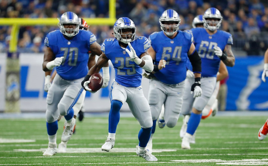 . Detroit Lions running back Theo Riddick (25) rushes during the first half of an NFL football game against the Cleveland Browns, Sunday, Nov. 12, 2017, in Detroit. (AP Photo/Rick Osentoski)
