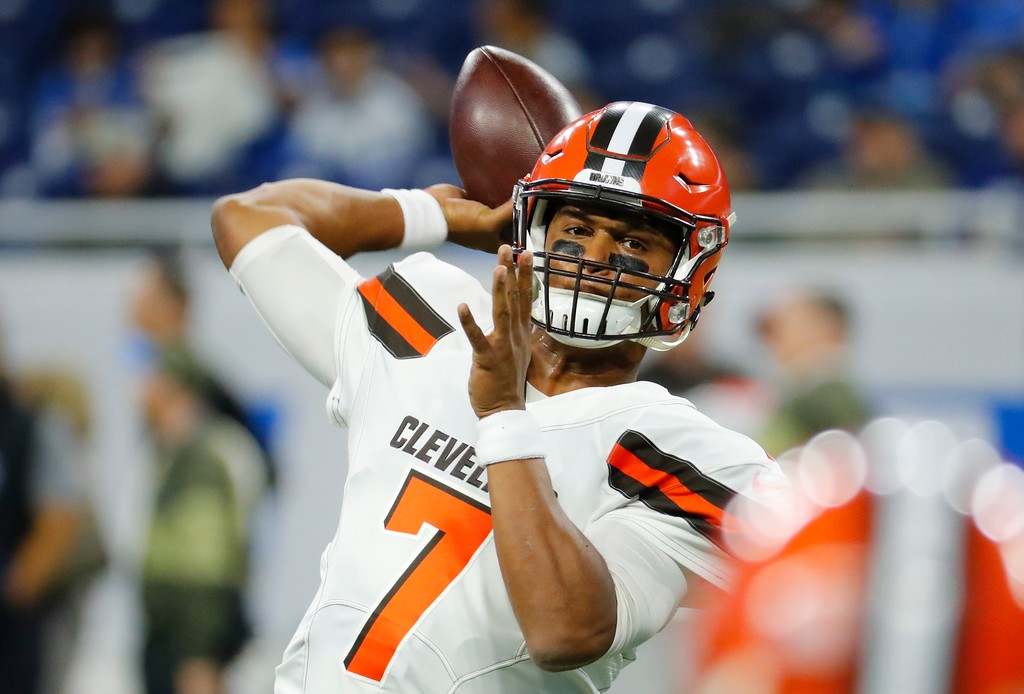 . Cleveland Browns quarterback DeShone Kizer (7) throws during pregame of an NFL football game against the Detroit Lions, Sunday, Nov. 12, 2017, in Detroit. (AP Photo/Rick Osentoski)