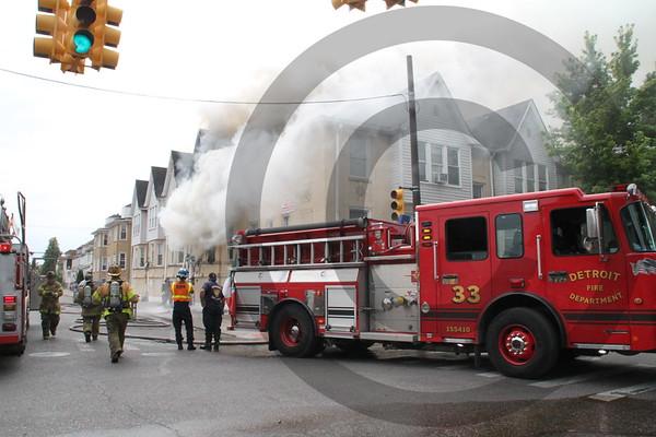Detroit MI 2nd alarm fire Central & Pitt street 7/4/16