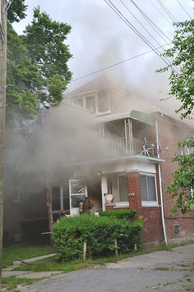 Occupied Dwelling Fire/Philadelphia & LaSalle/8:45 PM/E39, 35, 17, L7, Sqd. 4, Chief 5. (6-13-09) *Double Fatal*
