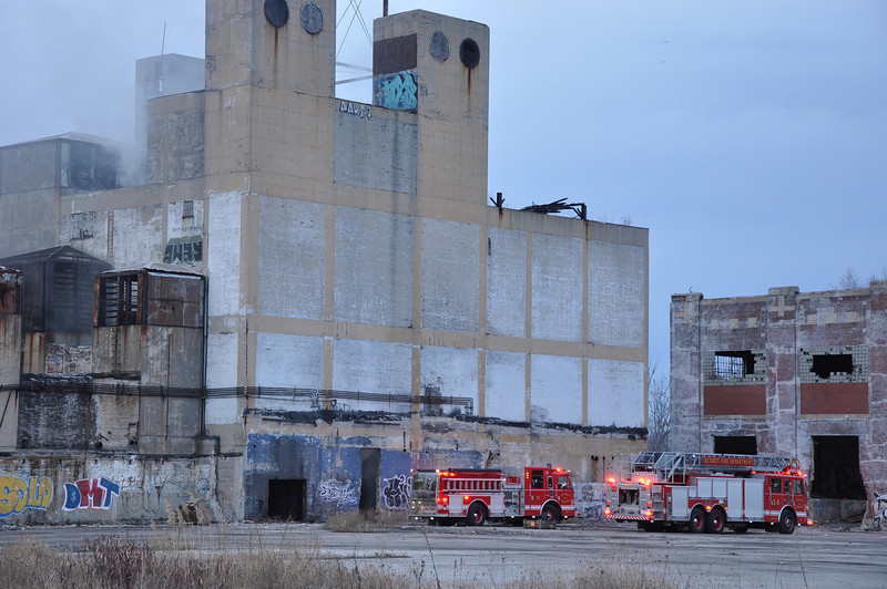 Rubbish Fire @ former Continental Plant-Algonquin & E. Jefferson