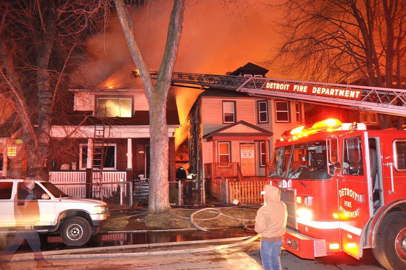 Detroit Dwelling Fire-3/27/10-Lisbon & N. Green-1:50 AM-E10, 27, 8, 5, L8, Sqd. 4, Chief 7.