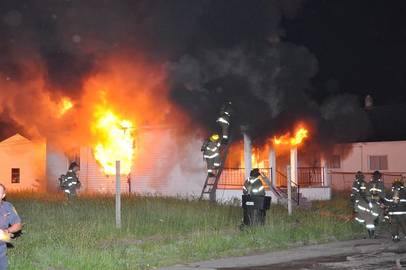 Detroit Dwelling Fire-5/29/10-4:50 AM-Marcus & Vincent-E23, 46, 41, Ladder 16, Sqd. 3, Chief 9