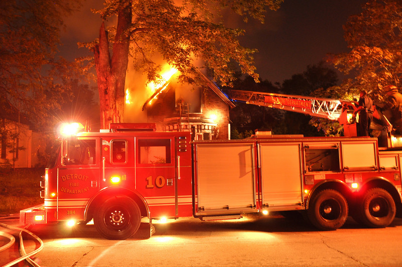 Detroit Dwelling Fire-5/27/10-Mitchell & Illinois