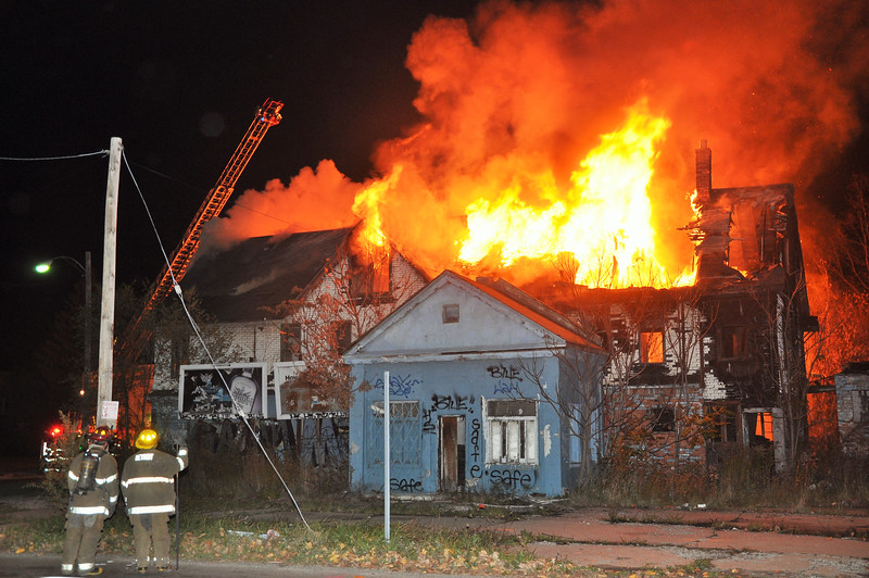 Dwelling Fire-10/30/14-E. Warren/Mt. Elliott