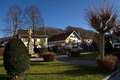 Madonna vom Marienplatz in Oberalting - Seefeld