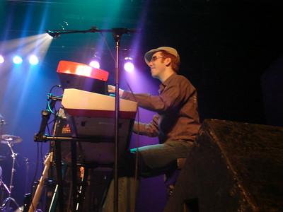Steve Nixon on keyboards