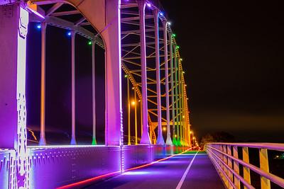Kleurrijke Wilhelminabrug
