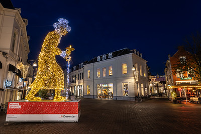 Lichtobject Scrooge met ingang van de Walstraat