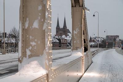 Bergkerk vanaf de Wilhelminabrug