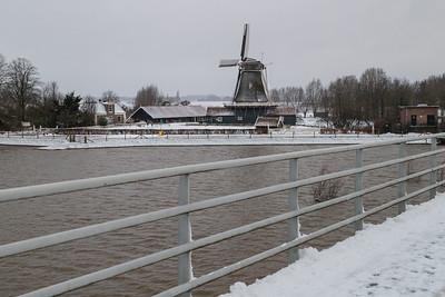 Bolwerksmolen vanaf de Wilhelminabrug