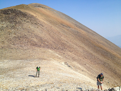 But eventually we were on the saddle and ready to head up the ridge. It looks like Mars up here. [Terry Patterson photo]