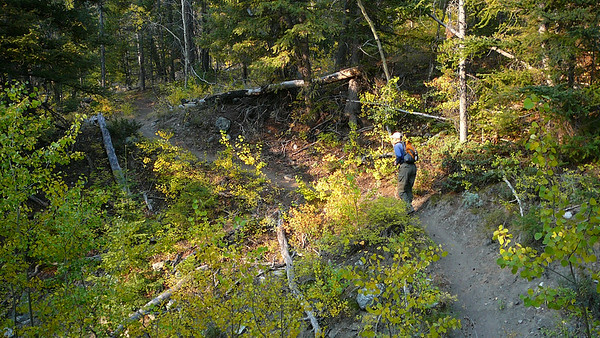 Despite the smoke, it's a beautiful, windless fall day. The approach hike is spectacular.