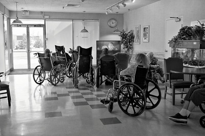 learnin - Resident Parking, Nursing Home, USA (DSS Round #42: Photojournalism - Exclusive Black and White Challenge)