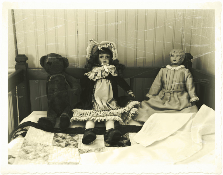 slpollett-Antique Dolls