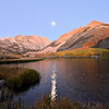 DsrtVW - Fall and Full Moon at North Lake
