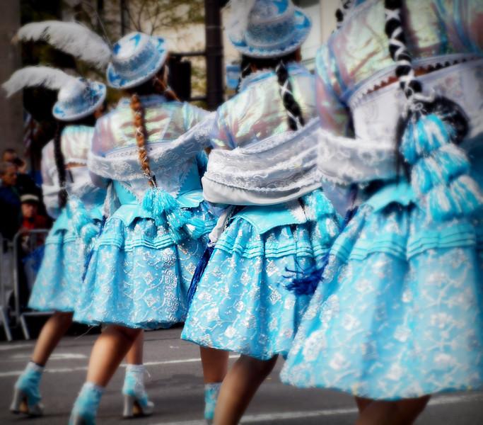 "lizzard_nyc  --""Polleras Azules"""