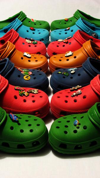 fotomom - Rainbow of Crocs