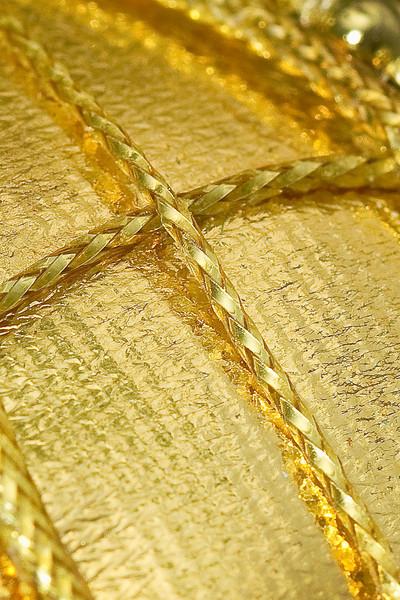 "pragmaticgeek - golden cross<br /> Exif at <br />  <a href=""http://www.flickr.com/photos/moothall/5294003291/meta"">http://www.flickr.com/photos/moothall/5294003291/meta</a>"