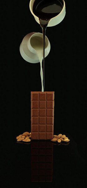 cdnbrit - Milk Chocolate with Almonds