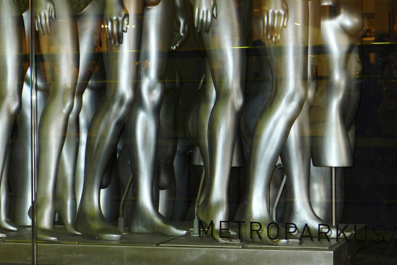 GretaPics - Mannequins on the Move!