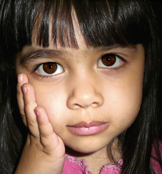 """Jenn - """"Don't it make my brown eyes..."""""""