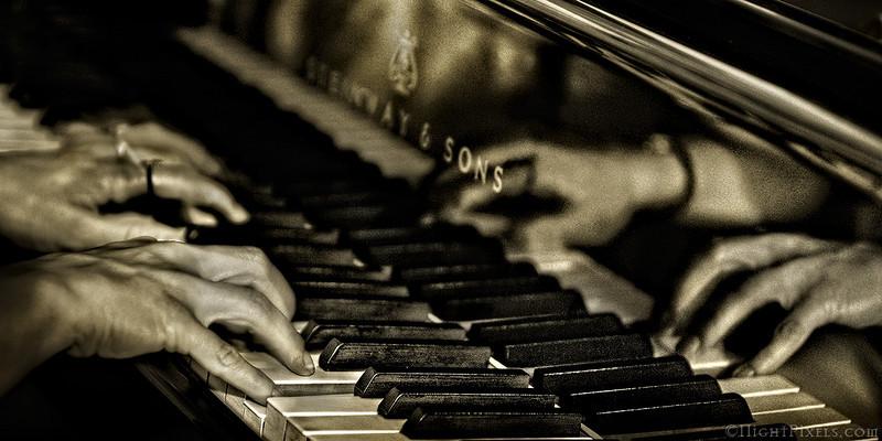 nightpixels - Piano Rhapsody