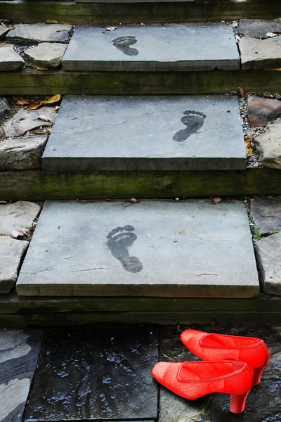 tinamarie52 - Could I have left my inhibitions on the garden path before?