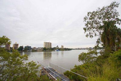 Photo by Humungus.  Brisbane, Australia, 7am June 19th