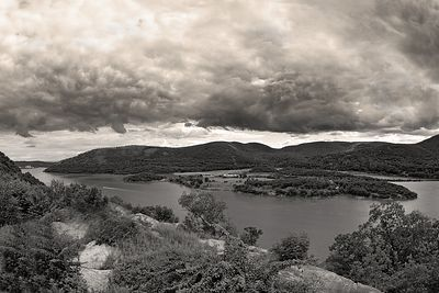 Photo by Andy Williams.  This is the Hudson River Valley, looking south as seen from near Bear Mountain, New York. Lat: 41.29N, Lon: 73.92W shot taken at 5pm eastern time, June 18th, 2005