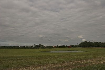 Photo by Mongrel.  Medford NJ, USA.  5pm EST; 39n54, 74w49; Looking East over Johnson's Farm-One of the last farms in my hometown.  Canon 20D 17-35mm Tamron.