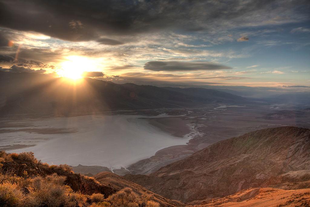 jolsen3567 (jolsen3567@mac.com)  Death Valley Sunset