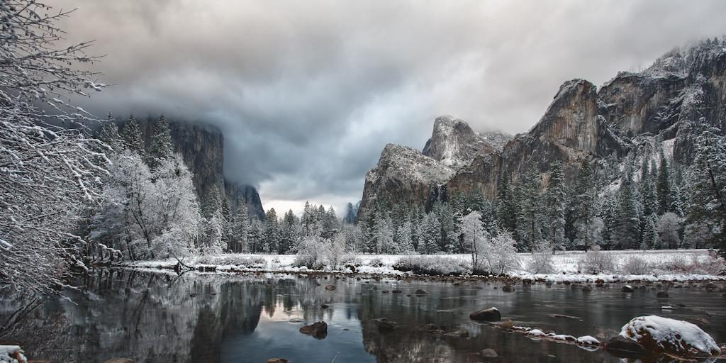 Valley View Photographer:  Sam
