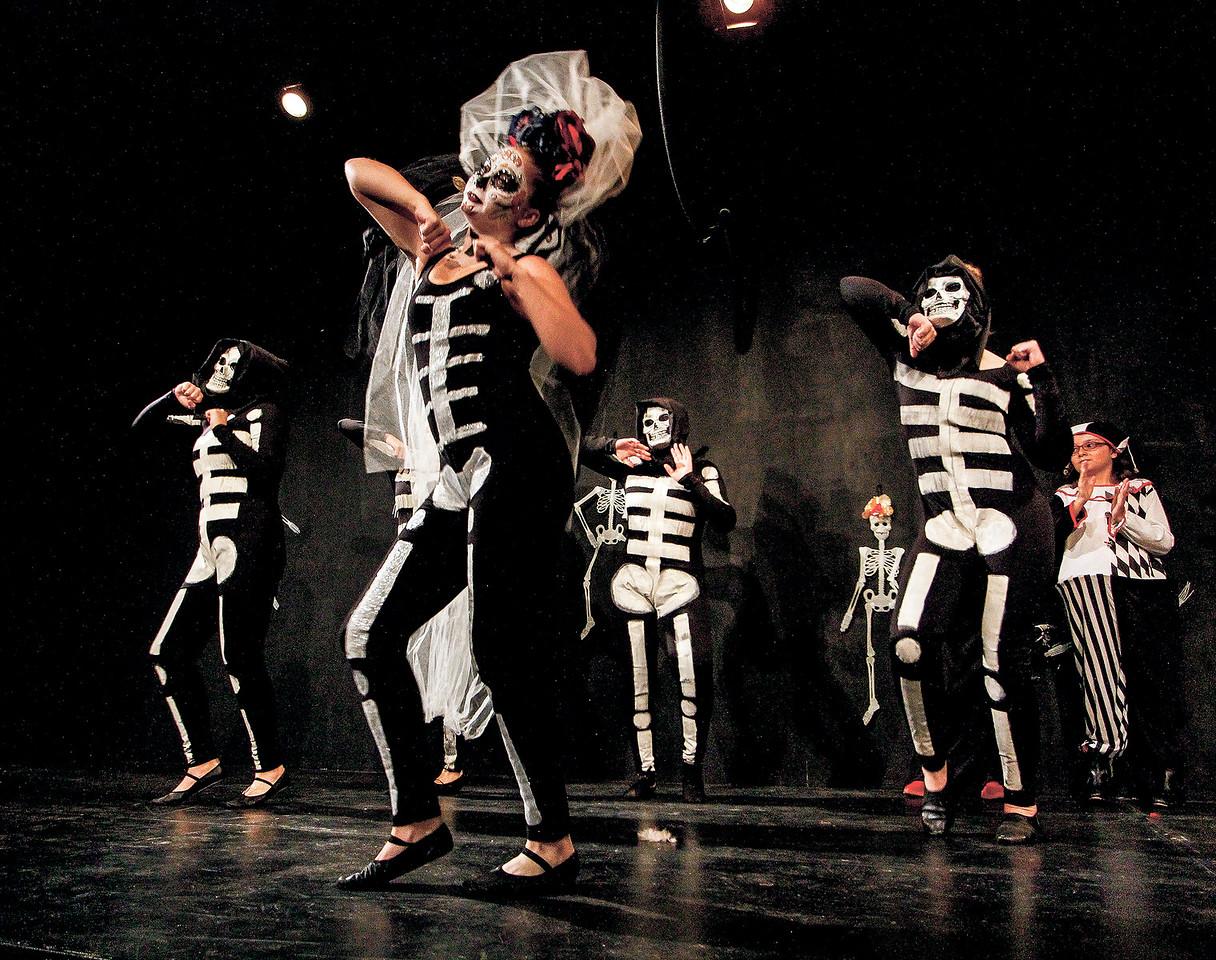 "Arianna Romp dances the part of La Muerte during the dana ""La Vida es un Juego"" as  part of the Dia de los Muertos celebrations at Teatro Paragua, a collobartion between the theater and Casa Blanca Dance Studios on October 29, 2017. Gabriela Campos/The New Mexican"