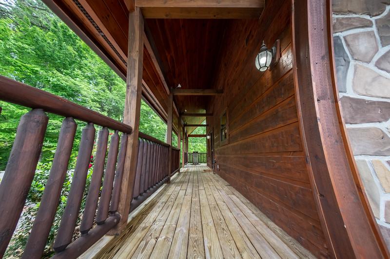 Diamond Mine Cabin-215-HDR-Edit.jpg