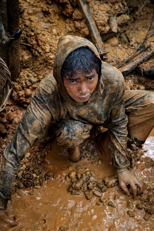 Miner working in the diamond fields.