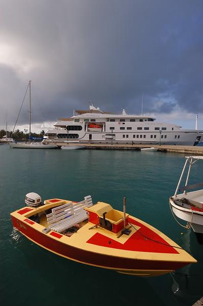 2005.10.19 Uturoa Harbor, Raiatea, French Polynesia